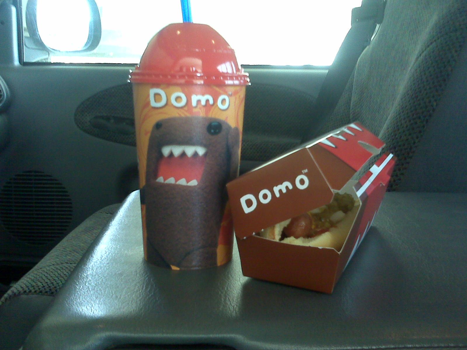 domo_slurpee_hotdog